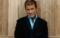 Michael W. Smith To Release 'The Spirit Of Christmas'